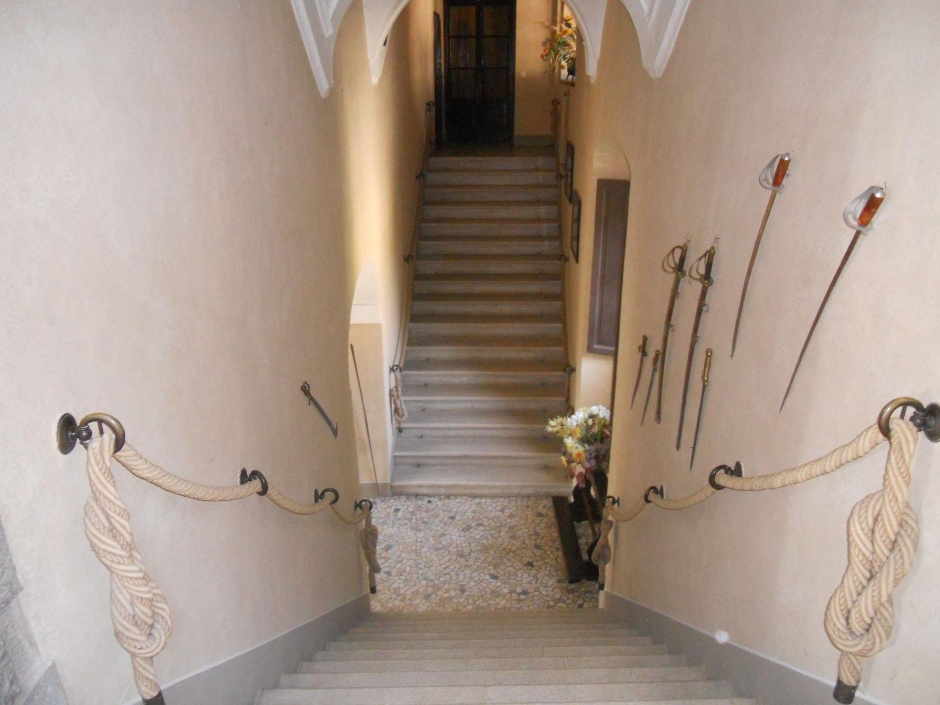 <p>scale di accesso al piano nobile</p>