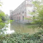 castello di Padernello con fossato