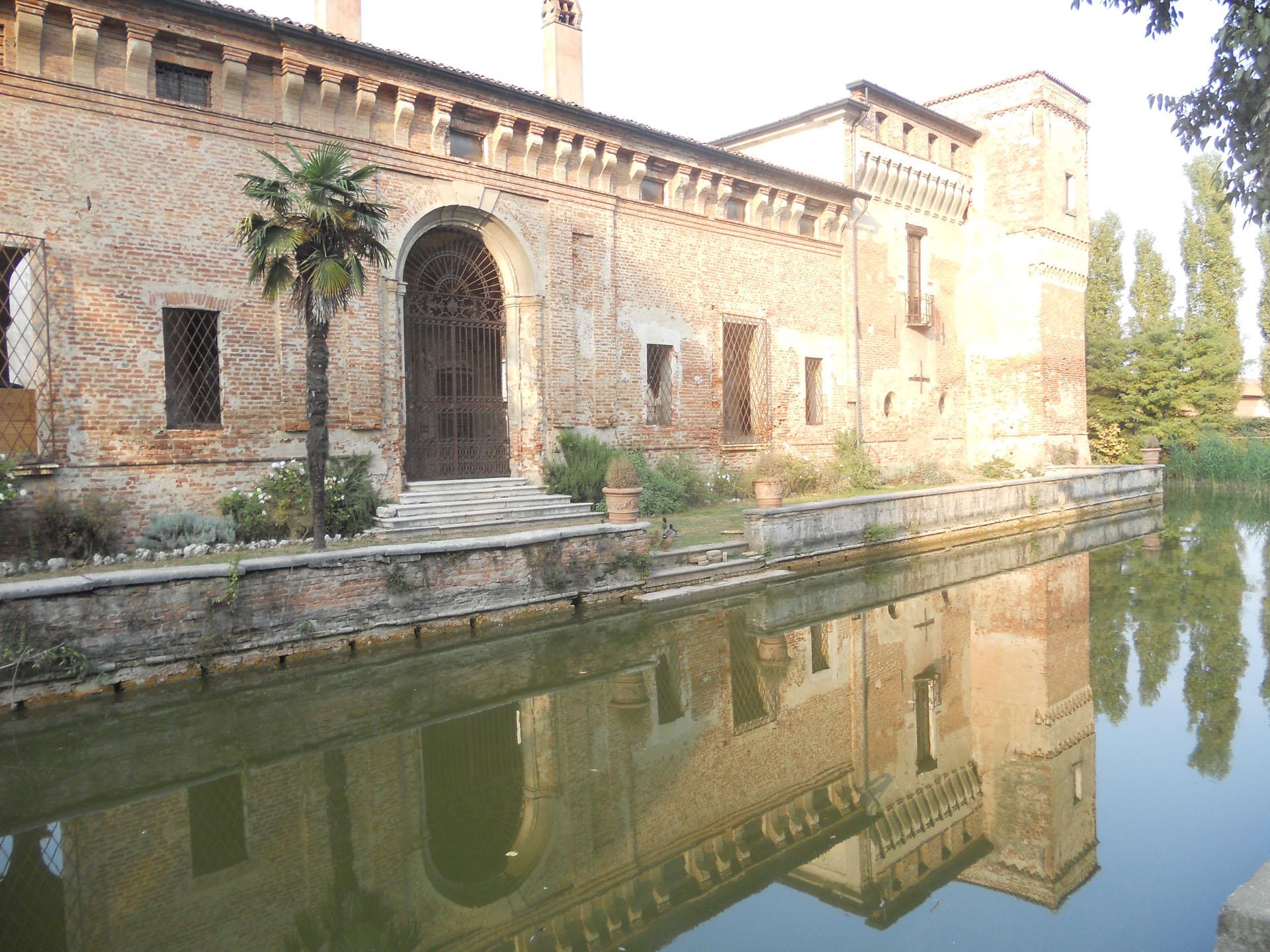 <p>castello di Padernello</p>