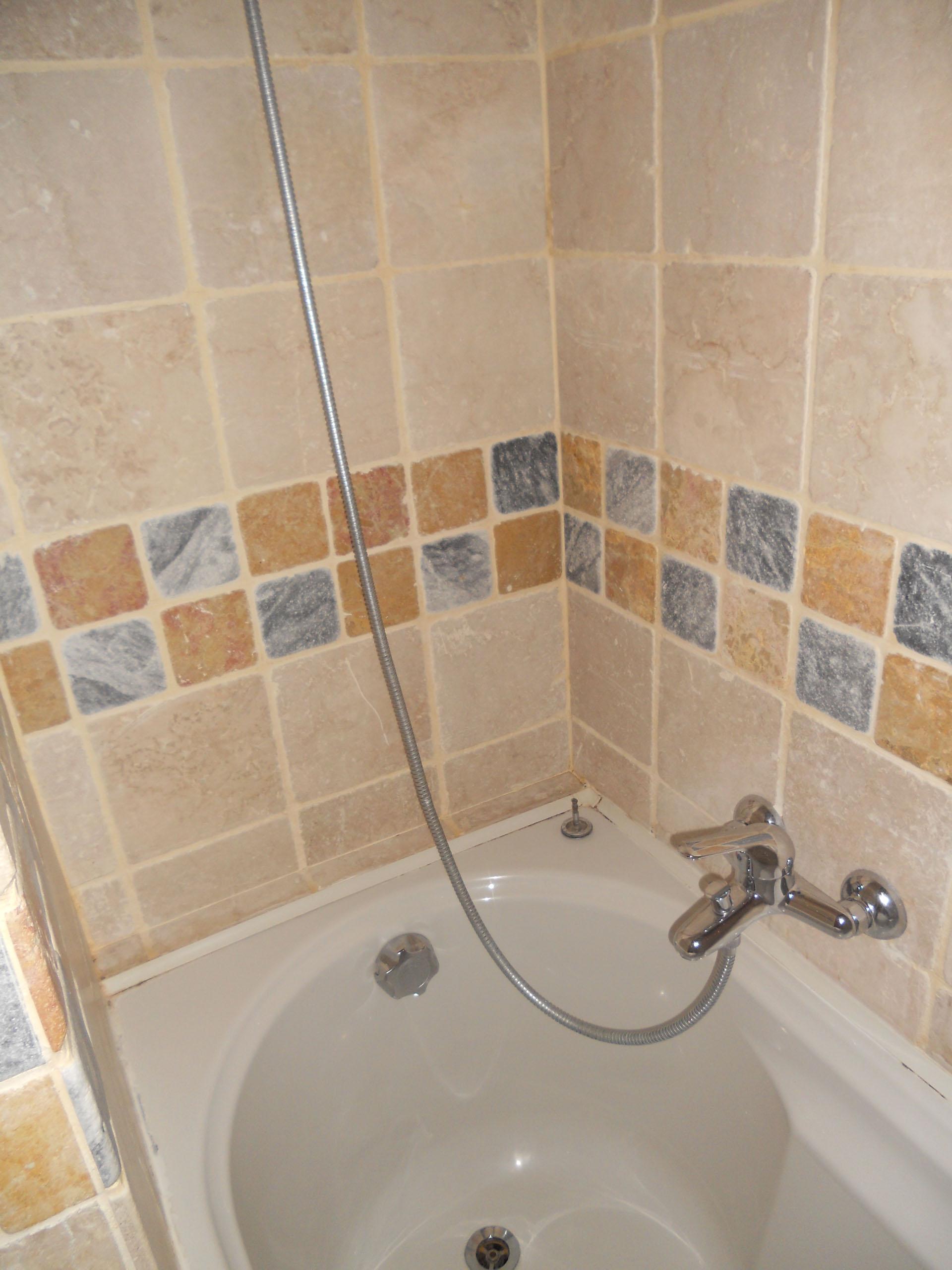 <p>particolare di bagno</p>